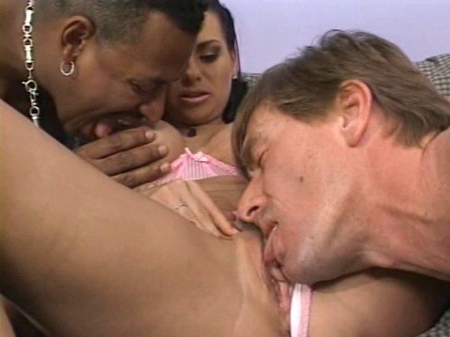 Soirée sexe anal en pyjama