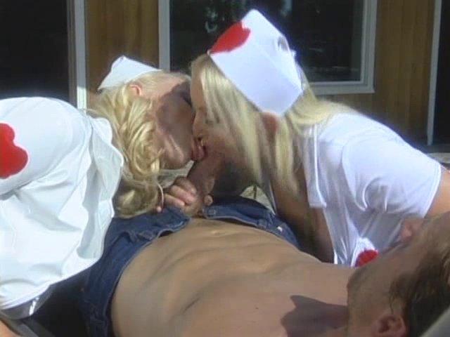 Infirmière a une forte envie de sodomie