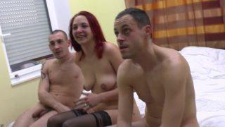 Un dépucelage anal improvisé à voir en vidéo