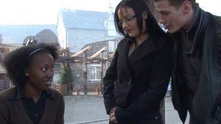 Jolie black et sexe total