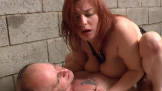 Porno d'un mec homo enculant une jolie rouquine
