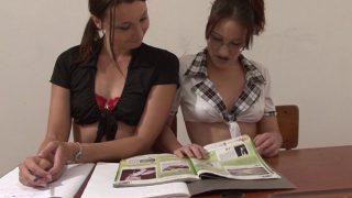 Le prof de porno avec des étudiantes bonnes et sexy
